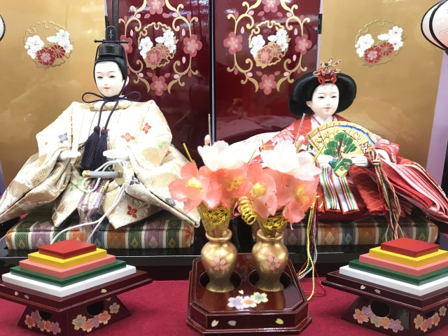 Dolls of the prince and the princess